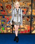 Celebrities Wonder 88632376_Louis-Vuitton-Dinner-Playing-With-Shapes_Michelle Williams 2.jpg