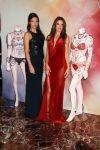 Celebrities Wonder 95614647_Adriana-Lima-Alessandra-Ambrosio-fantasy-bra_3.jpg