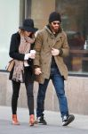 Celebrities Wonder 96253343_emma-stone-andrew-garfield_3.JPG