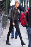 Celebrities Wonder 97651988_taylor-swift-leather-jacket_3.JPG