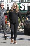 Celebrities Wonder 13493228_pregnant-ali-larter_2.jpg
