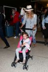 Celebrities Wonder 24235103_jessica-alba-lax-airport_1.jpg