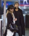 Celebrities Wonder 2619007_chrissy-teigen-jfk-airport_5.jpg