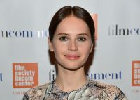 Celebrities Wonder 28307895_felicity-jones-2015-Film-Comment-Luncheon_4.jpg