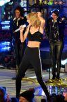 Celebrities Wonder 38536342_taylor-swift-New-Years-Eve-2015_2.jpg