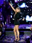 Celebrities Wonder 39261611_fergie-new-years-eve_5.jpg