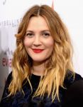 Celebrities Wonder 42178876_Fashion-Los-Angeles-Awards_Drew Barrymore 2.jpg