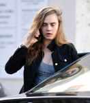 Celebrities Wonder 58207044_cara-delevingne-short-shorts_5.jpg