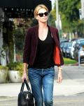 Celebrities Wonder 62022298_charlize-theron-lunch_5.jpg