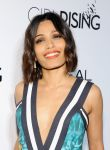 Celebrities Wonder 1394545_VANITY-FAIR- LOreal-Paris-DJNight-Benefit_Freida Pinto 2.jpg