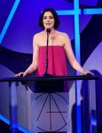 Celebrities Wonder 48978510_Art-Directors-Guild-Awards_Anne Hathaway 2.jpg