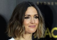 Celebrities Wonder 49111944_AACTA-Awards-Ceremony_Rose Byrne 2.jpg