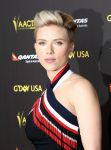 Celebrities Wonder 54249907_gday-usa-gala_Scarlett Johansson 2.jpg