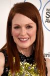 Celebrities Wonder 70959419_film-independent-spirit-awards_Julianne Moore 2.jpg
