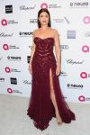 Celebrities Wonder 7671563_elton-john-oscar-party_Bellamy Young.jpg