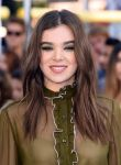 Celebrities Wonder 17764670_2015-MTV-Movie-Awards_Hailee Steinfeld 2.jpg