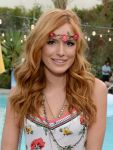 Celebrities Wonder 63469485_coachella-2015_Bella Thorne 2.jpg