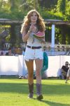 Celebrities Wonder 96023638_coachella-festival-2015_Bella Thorne 1.jpg