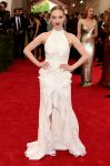Celebrities Wonder 37573922_met-gala-2015_Amanda Seyfried.jpg