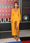 Celebrities Wonder 75707142_2015-mtv-vma_Gigi Hadid - Emilia Wickstead.jpg