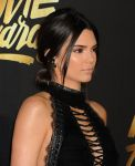 Celebrities Wonder 72296893_mtv-movie-awards_Kendall Jnner 2.JPG