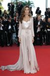 Celebrities Wonder 47348626_cannes_Izabel-Goulart.jpg