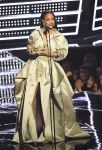 Celebrities Wonder 61731356_mtv-vma_Rihanna.jpg