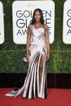 Celebrities Wonder 26060056_2017-golden-globe_Naomi Campbell - Versace.jpg