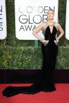 Celebrities Wonder 42157751_2017-golden-globe_Blake Lively - Atelier Versace.jpg